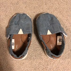 Baby toms-size 4